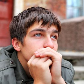 teenager on street End Youth Homelessness alliance