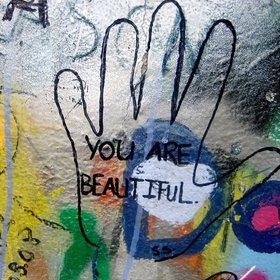 beautiful-316287_1280.jpg